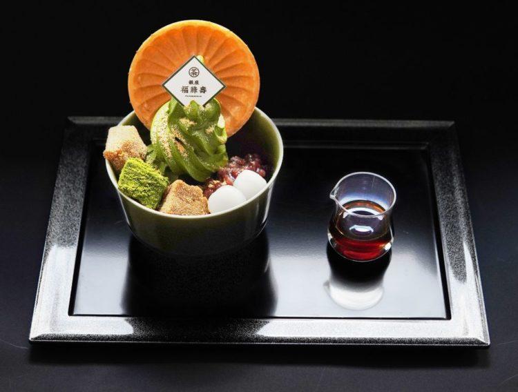「銀座 福祿壽」の人気スイーツ「抹茶ソフトわらび餅」