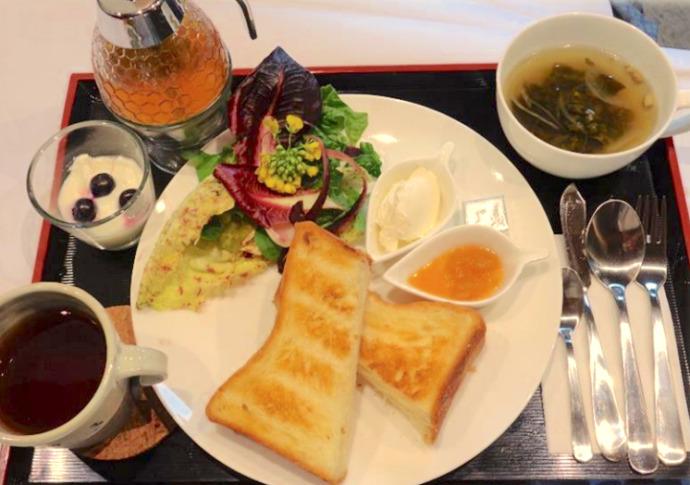 千葉県館山市にあるcafé123のはちみつデニッシュセット