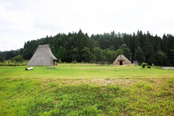 十日町市博物館で展示している火焔型土器が出土したという笹山遺跡