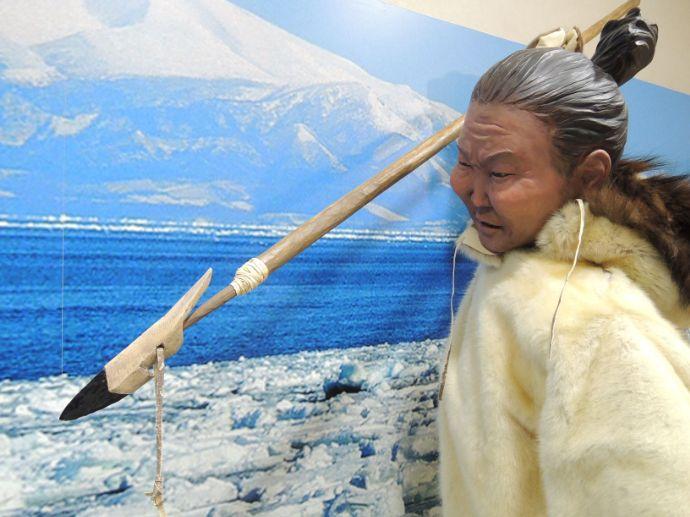 モヨロ貝塚館のモヨロ人を再現した像