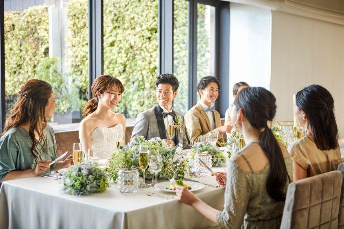 アニヴェルセルの結婚式の様子