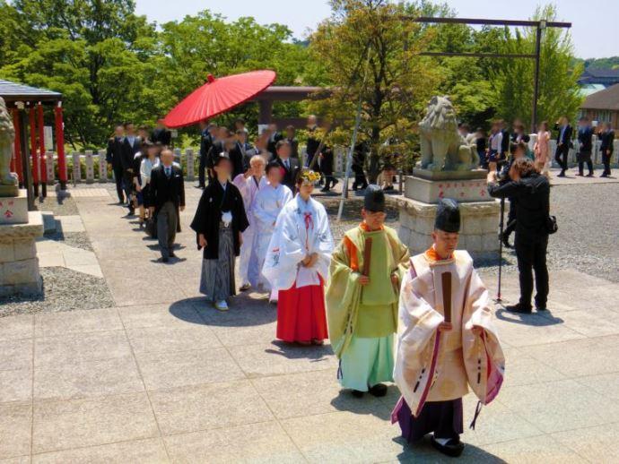 本牧神社の神前結婚式参進