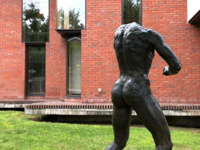 本郷新記念札幌彫刻美術館の美術品