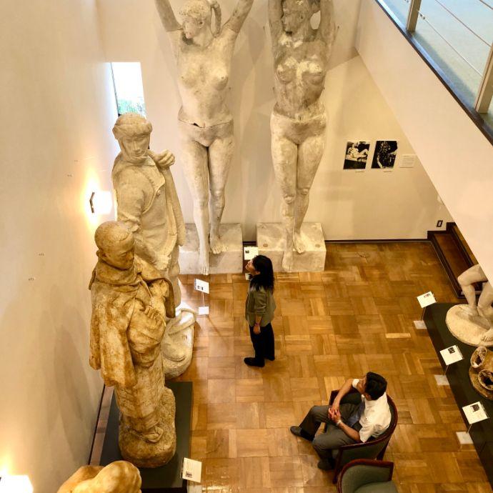 本郷新記念札幌彫刻美術館を楽しむ人