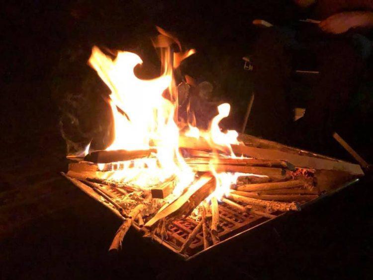 身延町みのぶ自然の里のキャンプで楽しめる焚き火台