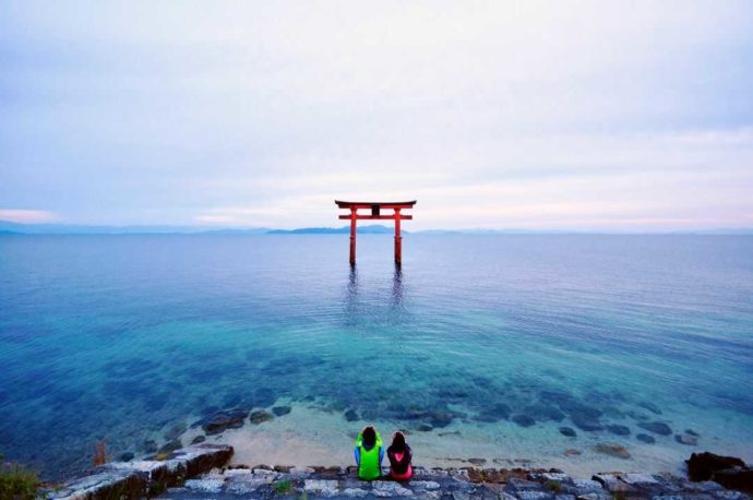 滋賀県高島市にある藤樹の里あどがわから好アクセスな白鬚神社