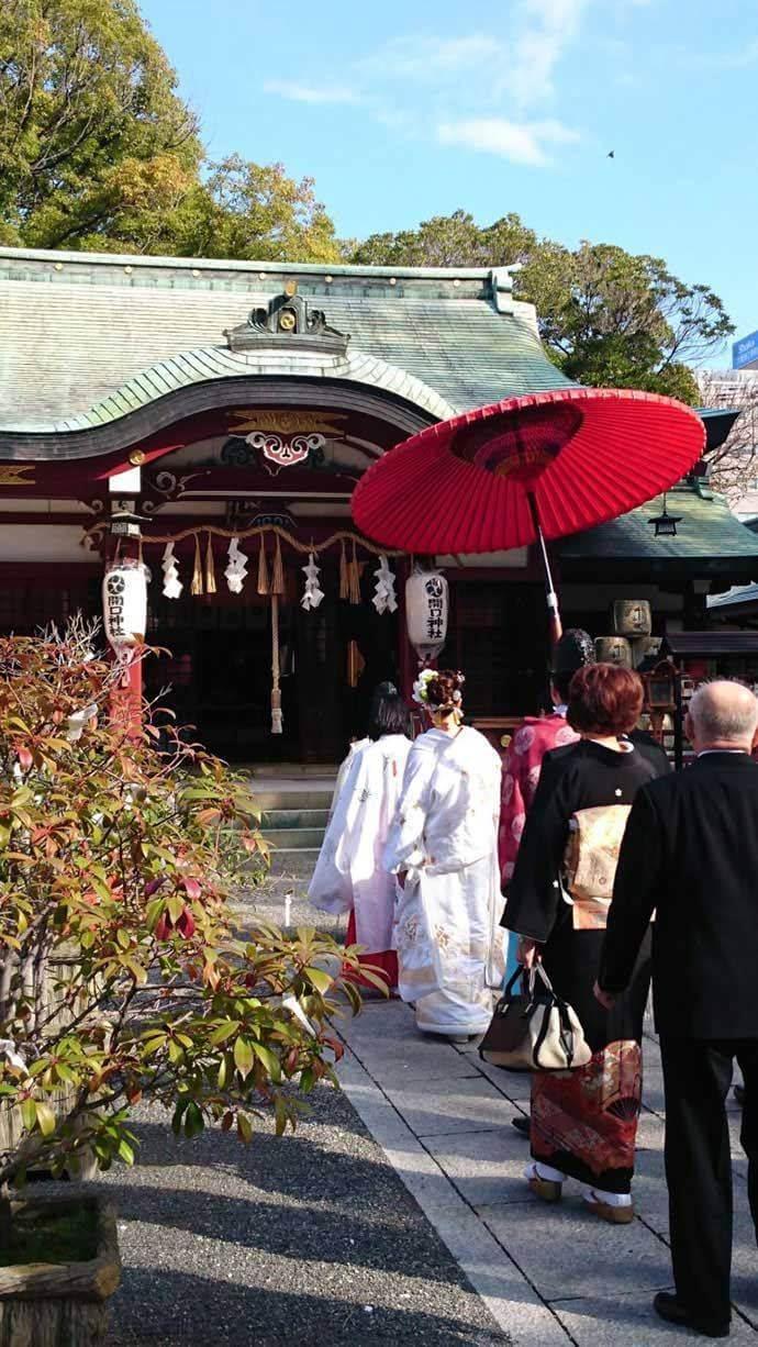 開口神社における神前結婚式の予約は何ヶ月前から可能か