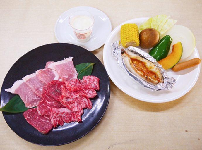 牛肉・豚肉・野菜・ピザ・季節のデザートがセットになった「AIBOKUコース」