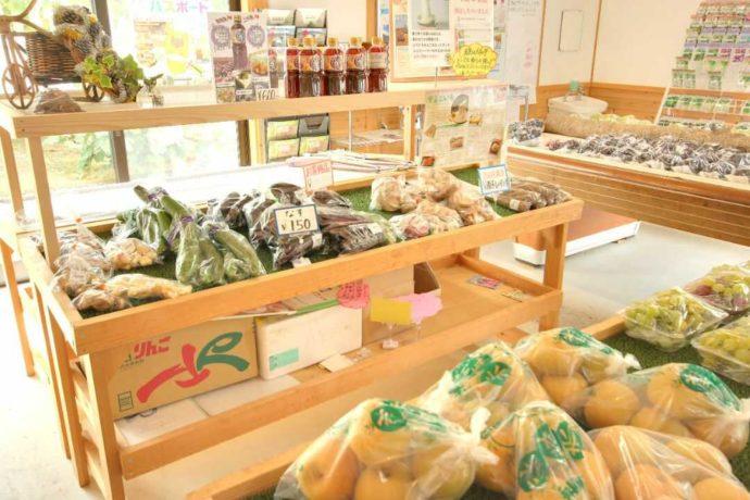 さまざまな種類の食材を販売している観光農園あかぎおろし