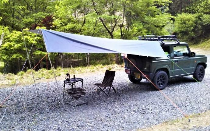 京都市のキャンプ場芦見谷芸術の森でオートキャンプをする様子