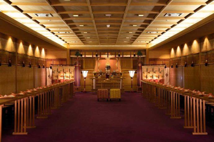 ホテルアウィーナ大阪で神前式ができる神殿の内観