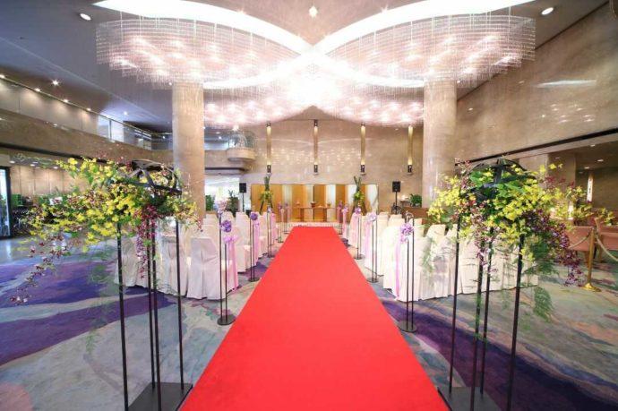 ホテルアウィーナ大阪の和装人前式仕様のロビーウェディング