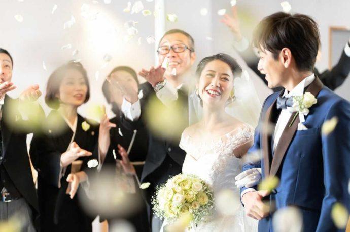 ホテルアウィーナ大阪のチャペル婚の様子