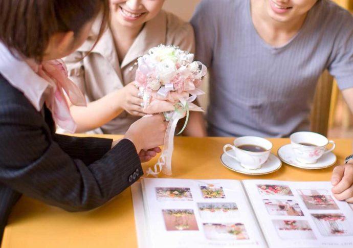 ホテルアウィーナ大阪の結婚式打ち合わせ風景