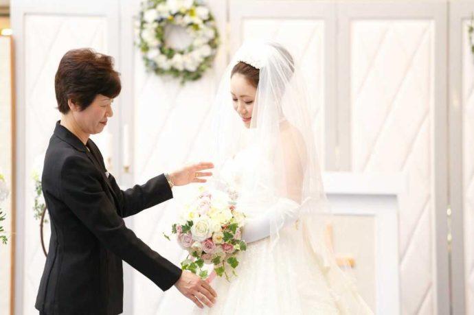 ホテルアウィーナ大阪の花嫁アテンダント風景