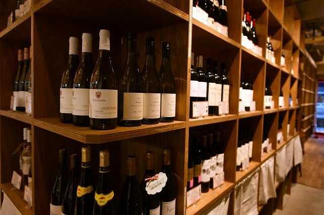 べべのおそうざい東区本店の料理にはワインがよく合う