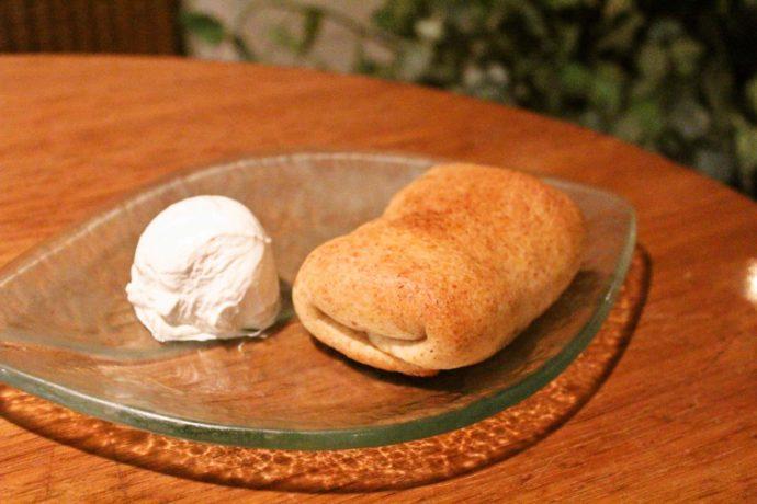 BiOcafeのスイーツ「全粒粉のアップルパイ」