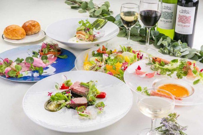 「ぶどうの木ウェディング」の披露宴で提供されるフレンチのコース料理
