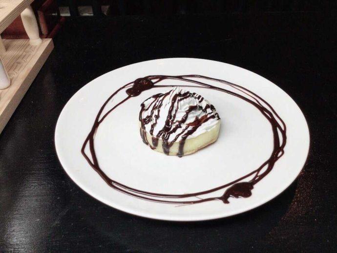 TheaterCafe&Dining Prosceniumのクランペットケーキのチョコ