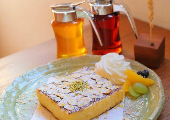カフェルセット鎌倉の店内限定の看板メニュー「究極のフレンチトースト」
