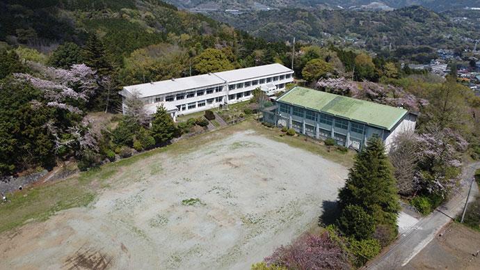 「キャンピース」の校庭俯瞰