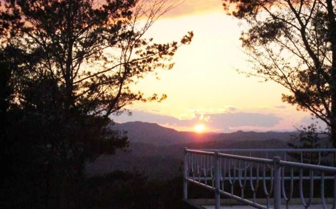 チロリン村キャンプグランドから望む夕日