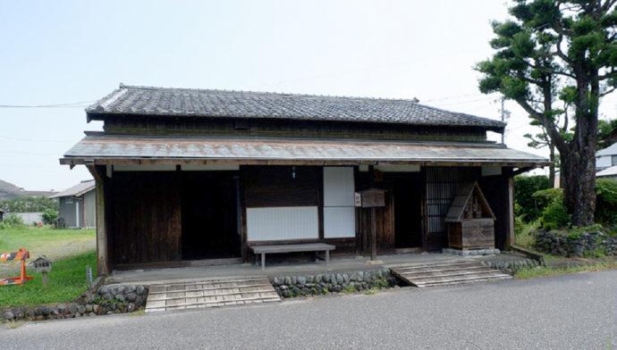 島田市博物館近くの街道沿いにある札場(川越遺跡)