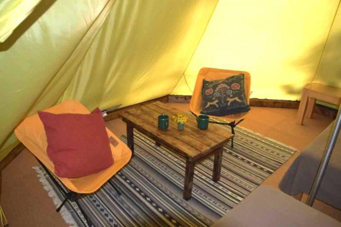 大源太キャニオンキャンプ場にあるグランピングテントの中