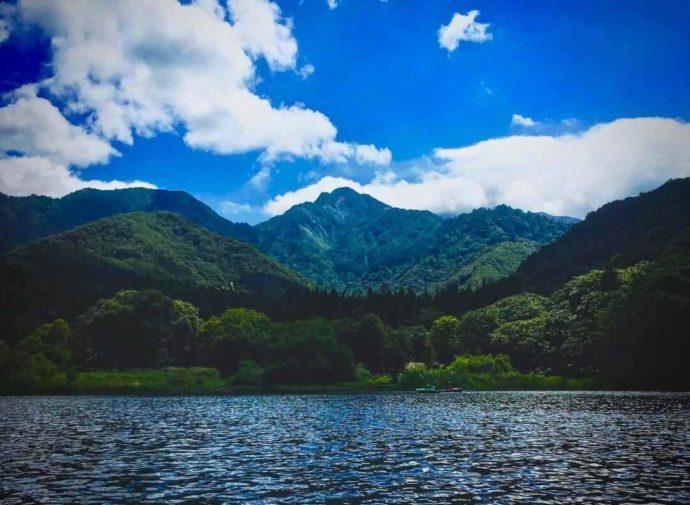 新潟県南魚沼郡にある大源太キャニオンキャンプ場からほど近くの大源太山