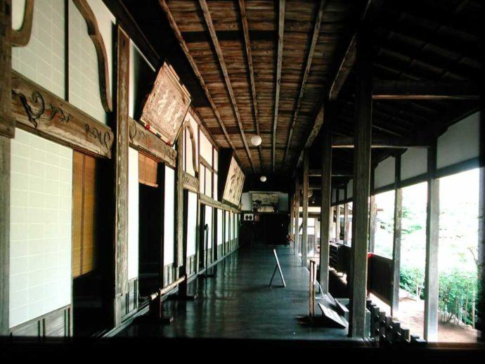 栃木県大田原市にある大雄寺の本堂の廊下