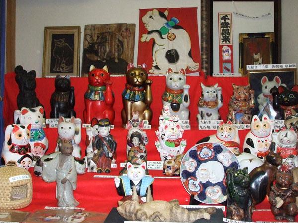 日本人形博物館・日本招き猫館の大型招き猫