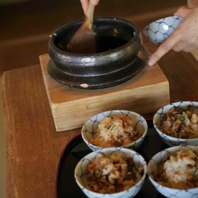 広島市南区にある結婚式場エシェルの「庭園の宿 石亭」で食べられる穴子の釜炊きご飯