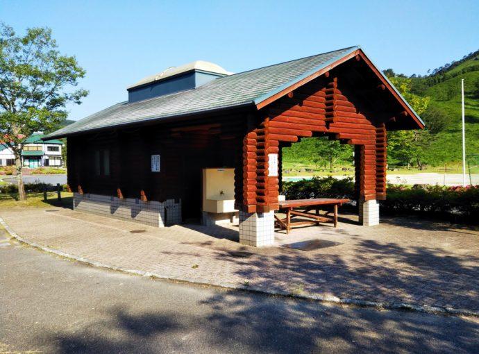 広島県山県郡にある深入山グリーンシャワーオートキャンプ場の施設