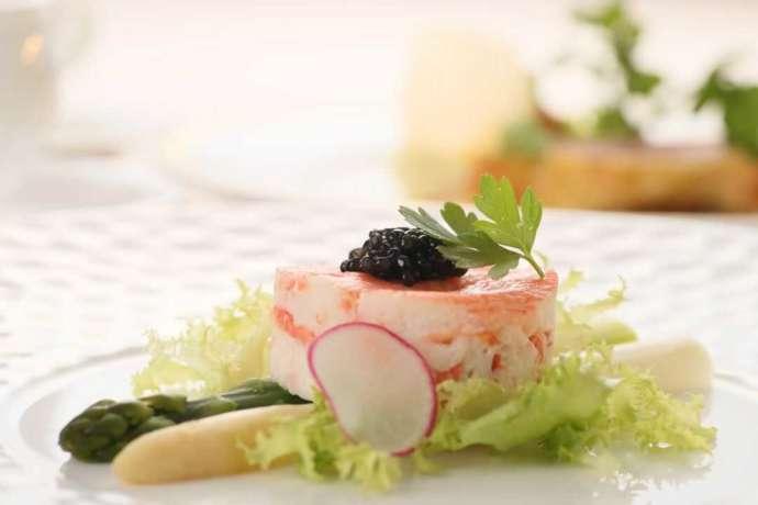 盛り付けが美しい花巻温泉ウエディングのコース料理