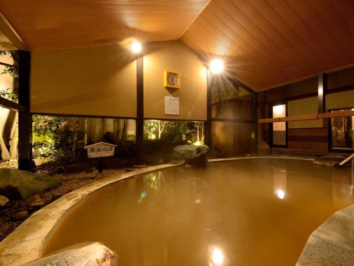 華咲の湯で有名な源泉「かんざんじ黄金の湯」