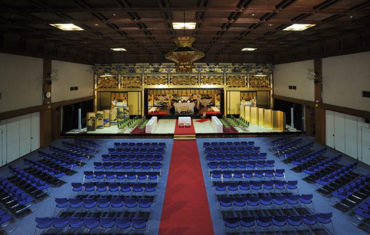 西本願寺鹿児島別院の仏前結婚式の式場