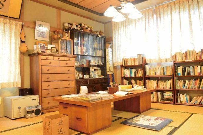 三浦綾子記念文学館分館にある口述筆記の書斎の再現