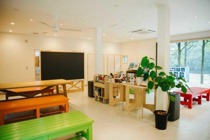 COMMON IDOEの本屋が併設されたカフェ
