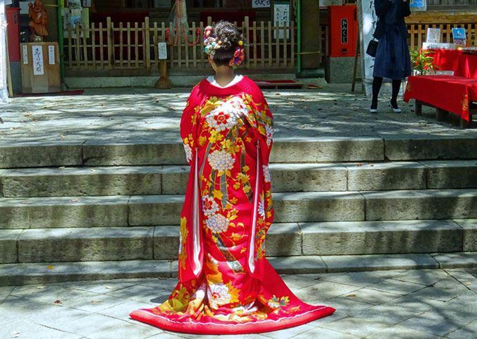 椙本神社の神前結婚式でレンタル衣装やヘアセットをお願いすることは可能か