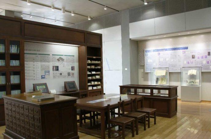 岩瀬文庫の常設展示の一角