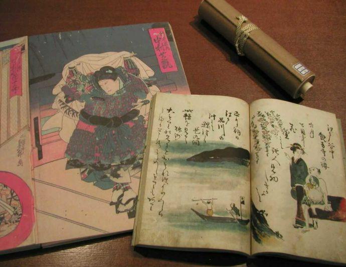 岩瀬文庫に展示されている古書