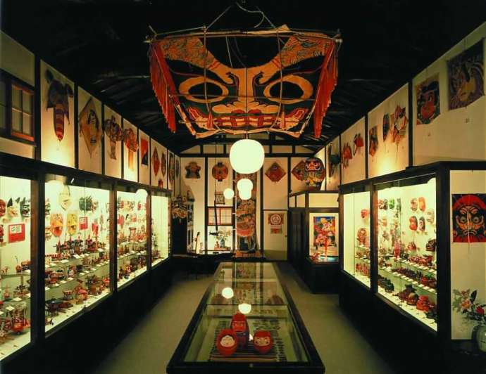兵庫県姫路市で世界中の郷土玩具が見られる「日本玩具博物館」の1号館内観