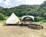 和歌山県有田市にある地ノ島キャンプ場のテントの様子