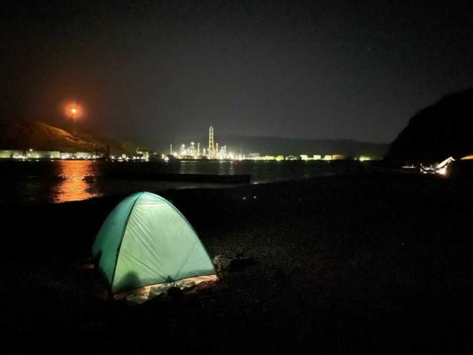 和歌山県有田市にある地ノ島キャンプ場の夜の風景