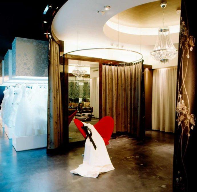 香川県高松市にある「THE CHELSEA」の提携ドレスショップ