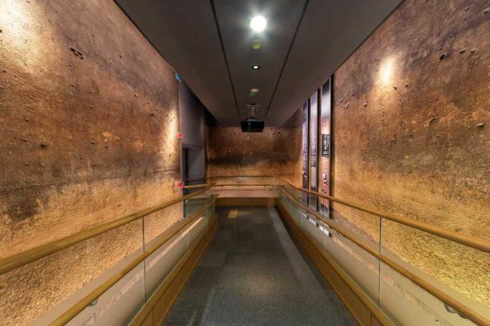 ふるさと考古歴史館にある地層の展示