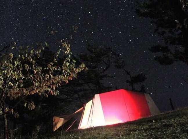 宮城県本吉郡にある神割崎キャンプ場から眺めた星空