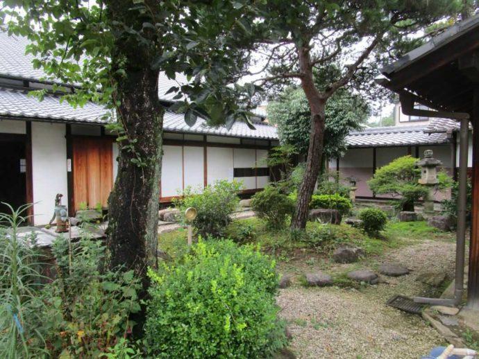 中山道ひし屋資料館の庭