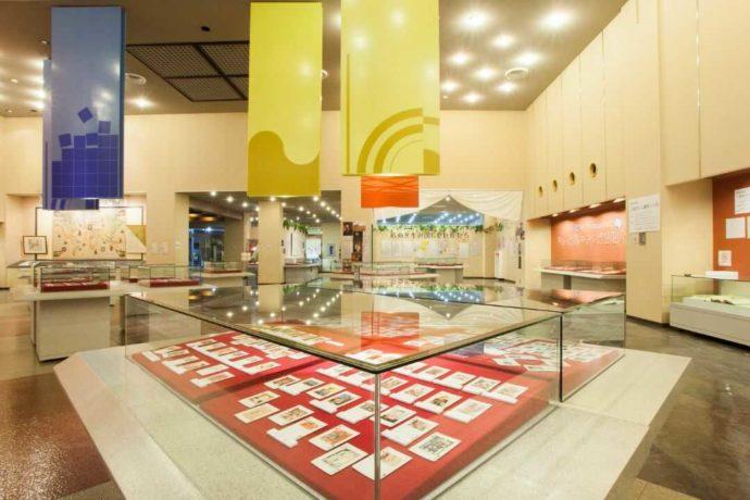 三池カルタ・歴史資料館の館内
