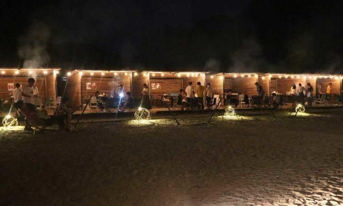 KIBOTCHAの夜のバーベキューはムードたっぷり